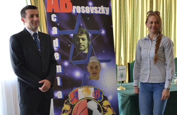Monika Brosovszky își începe treaba la Academia ce poartă numele tatălui său: Secția de baschet, inaugurată luni!